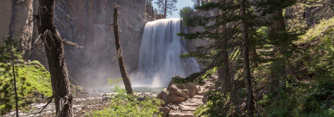 Sierra Nevada: Rainbow Falls and Minaret Falls